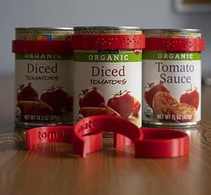 CanDo Braille Labels fitting to tomato cans